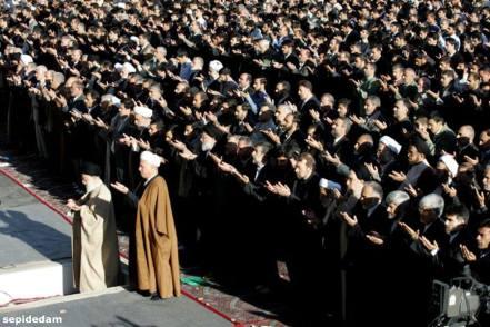 هاشمی رفسنجانی دوشادوش رهبر - نماز عید فطر سال ۸۴
